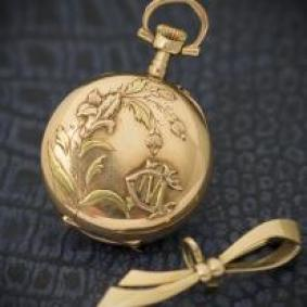 Antique French 18k Gold Pocket or Pendant Lady Watch with Brooch