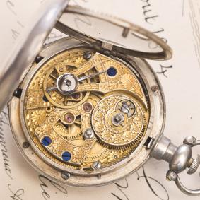 Rare-Small-Antique-Chinese-market-watch-Bovet-Fleurier